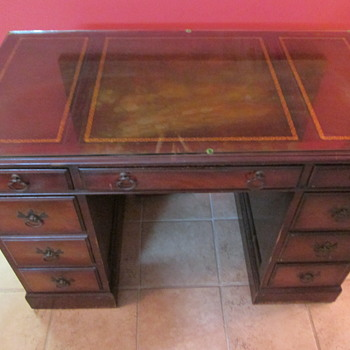 Vintage Keyhole Desk with Gold Inlay