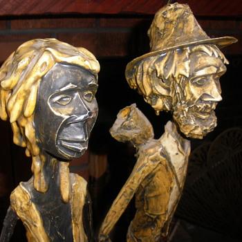 "Signed ""PECOWE"" art statues  - Figurines"