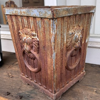 Iron Planter with Lion Rings - Tools and Hardware
