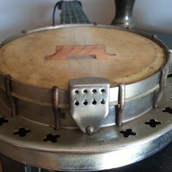 vintage banjolele?  - Musical Instruments
