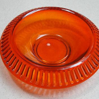 Ribbon candy or flower bowl - Glassware