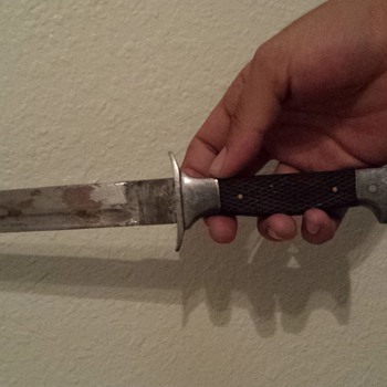 Please help with identifying this knife. Any information will help. - Military and Wartime