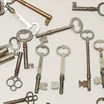 Set of keys saved over 100 years ago - Tools and Hardware