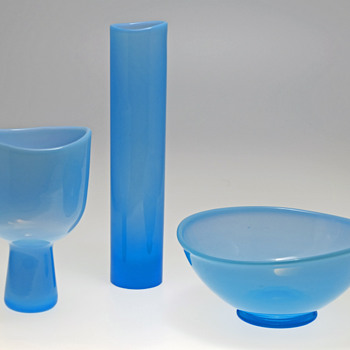 Two vases and a bowl - Arthur Percy for Gullaskruf 1950s. - Art Glass