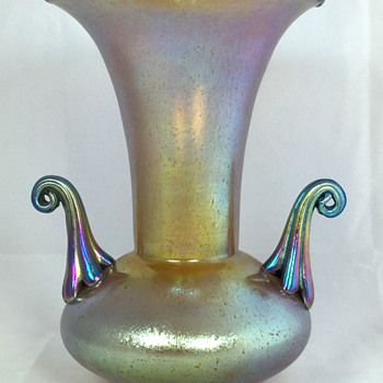 "Loetz ""Silberiris"" Two-Handled Vase. 7.5"" Tall. PN II-4711. Circa 1918+ - Art Glass"
