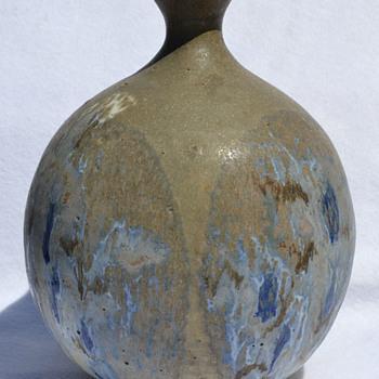Hal Fromhold globular vase - Pottery