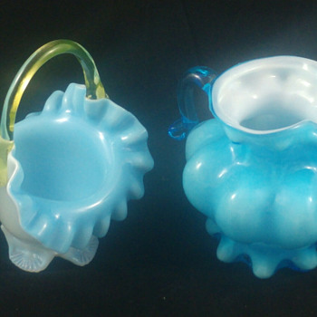 IS THIS A FENTON GLASS PATTERN - Art Glass