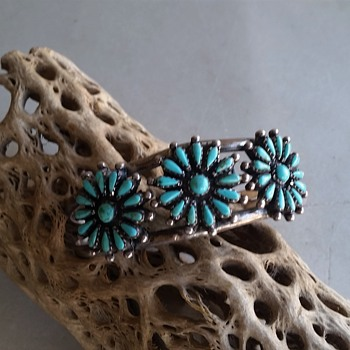 Turquoise Zuni? cuff  and ring from India - Fine Jewelry