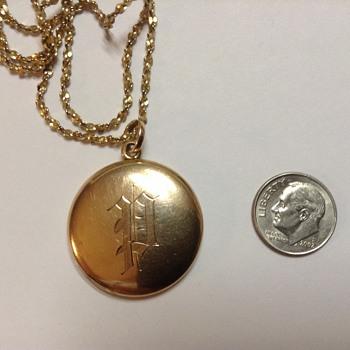 Gold picture locket - Fine Jewelry