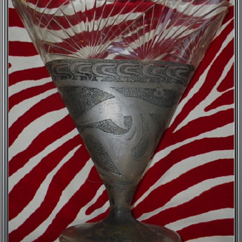 cameo glass vase loetz ? - Art Glass