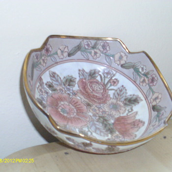 beautiful bowl and old perfume bottles - China and Dinnerware