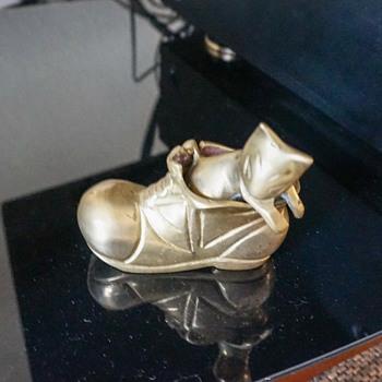Brass Kitten In A Shoe