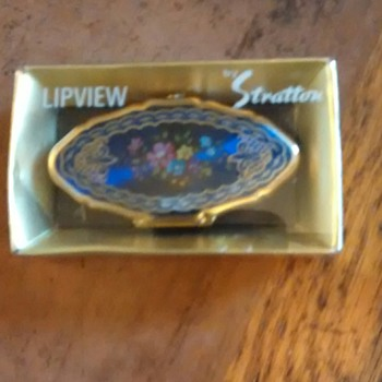 Stratton Lip View finger sized mirror compact for ladies to view their lips!  - Accessories