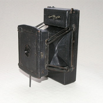Thornton-Pickard Imperial Rollfilm Camera, 1924-5.