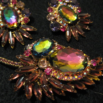 DeLizza & Elster Brooch (Post 1 of 2) - Costume Jewelry