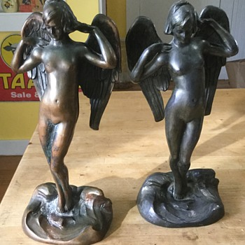 1900's angel bookends - Books