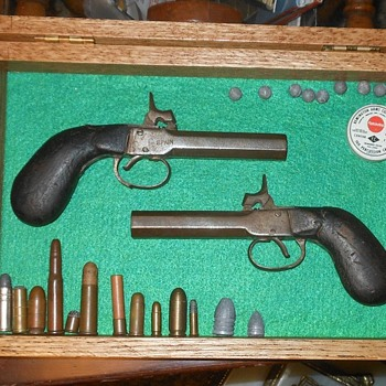 Pair of Percussion Pocket Pistols Spain - Military and Wartime