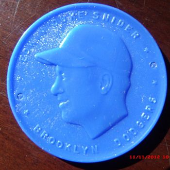 "1955 Armour Coin Brooklyn Dodgers Edwin ""Duke"" Snider found in $1 box lot"