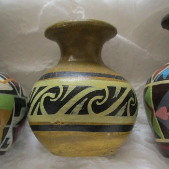 Three miniature Southwestern pots - Pottery