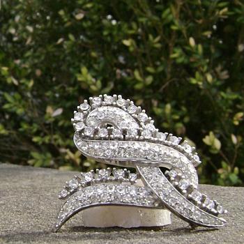 """Trifari Brooch - Twisted Ribbon  - """" The Cool Jewel """" - Costume Jewelry"""