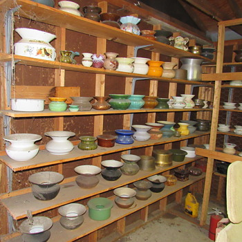 World's Largest Collection of Spittoons, Cuspidors (over 500) found in Winter Haven, FL estate garage - Tobacciana