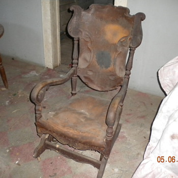 I need to know more about this antique rocker, please - Furniture
