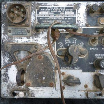 WWII Naval Aircraft Radio - Military and Wartime