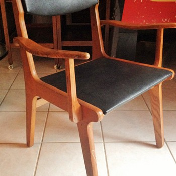Unknown Danish chair set - Mid-Century Modern