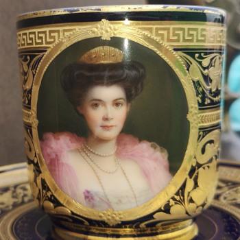 augarten or augarten fake?  - China and Dinnerware