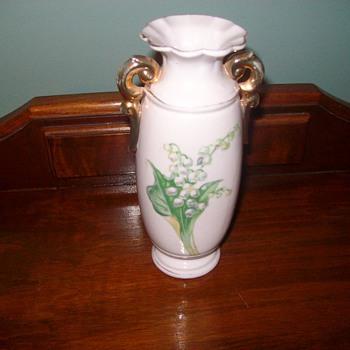 """Japanese Porcelain Vase """"Occupied Japan"""""""