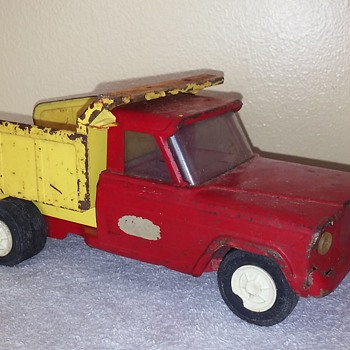 old TONKA toy Jeep dump truck - Model Cars