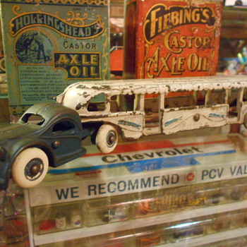 Cast Iron bus - Model Cars