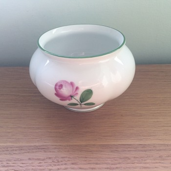 Wien Augarten  Austria visit Vieneese Rose Bowl - Pottery