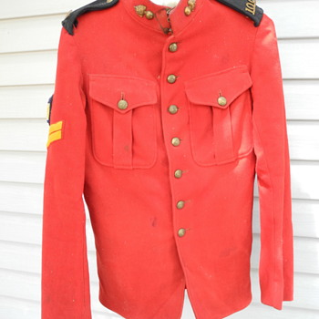 Corporal Henry Lowe's Winnipeg 100th  Overseas Battalion jacket. - Military and Wartime