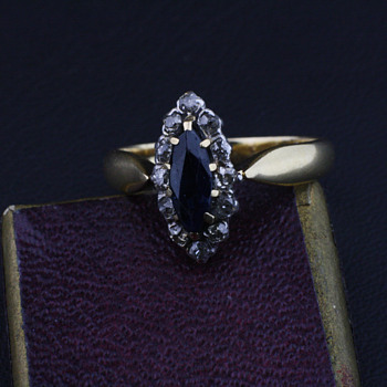 Gold and sapphire ring - Fine Jewelry