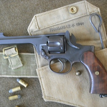 WWII British Enfield Revolver - Military and Wartime