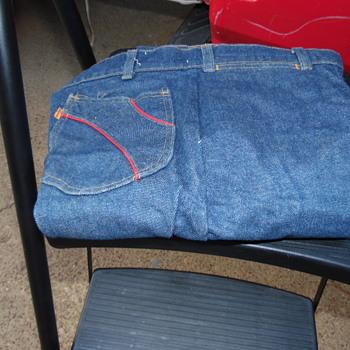 Vintage Levi Men Jeans,Red Strips/Metal Tag