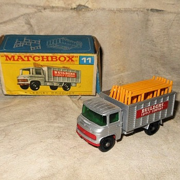 Mundane Mercedes Matchbox Monday Scaffolding Truck MB-11 1969 - Model Cars