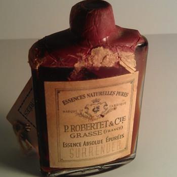 Antique SURRENDER Perfume WAX SEALED Essences Naturelles Pures