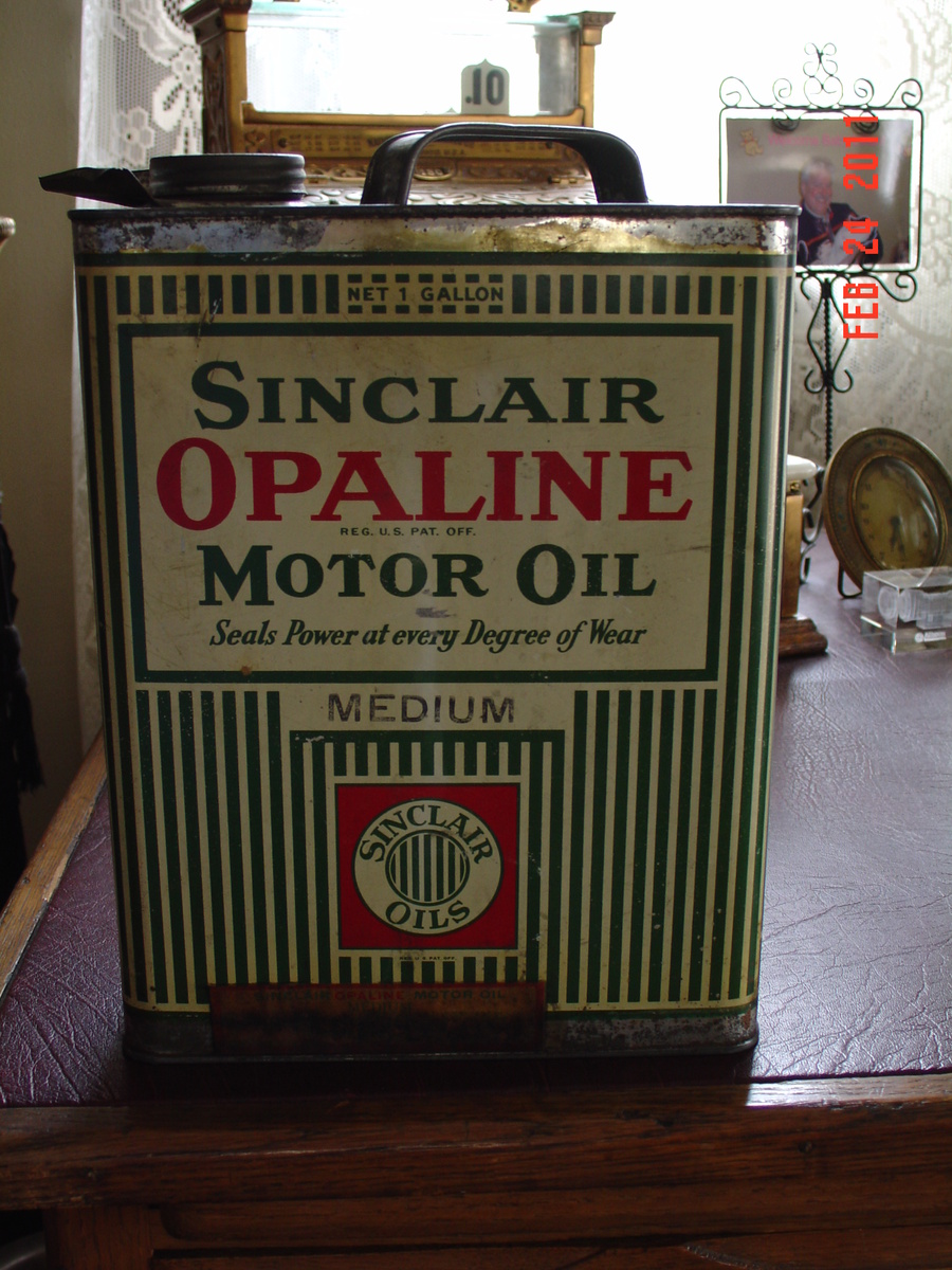 Sinclair Opaline Motor Oil Can... One Gallon...From The 1920's | Collectors Weekly