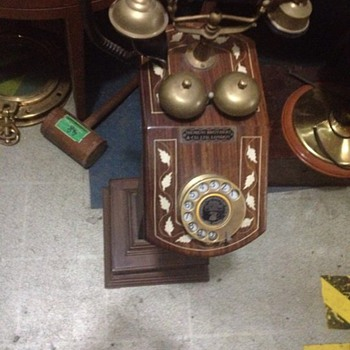 Antique siemens telephones  Made by Siemens brothers & co. LTD London