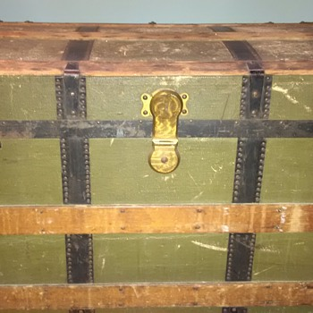 Old Chest received from a family friend - Furniture