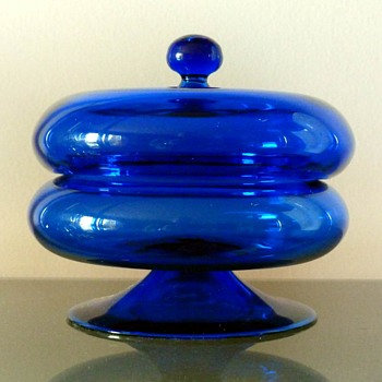 """Glas dose"" by Josef Hoffmann. H.: 10,5 cm. Before 1923. - Art Deco"