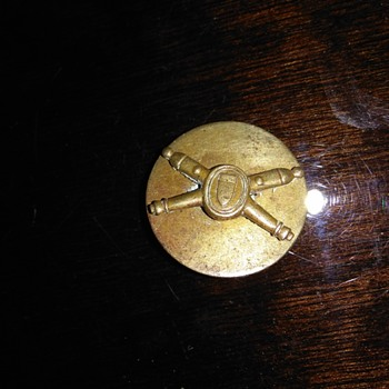Need information about this pin - Military and Wartime