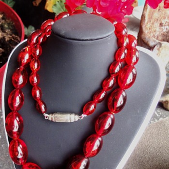 Translucent Cherry Amber necklace - Fine Jewelry