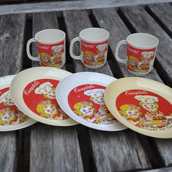 Vintage Kids Platsic Cup and Saucer set by Campbell, made in Italy - Toys