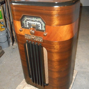 Rogers console model 8R723 - Radios