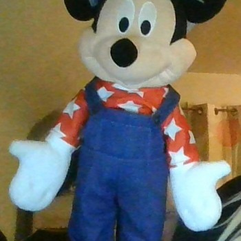 mickey and minnie mouse standing stuff animals - Animals