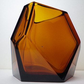 BOHEMIAN CUBIST VASE - VLASTISLAV HOFFMAN around 1914 - Art Glass