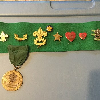 1933 contingent medals and pins and patches